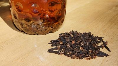 Clove Potion for Natural Mouth Wash